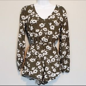 Abercrombie & Fitch floral romper size XS